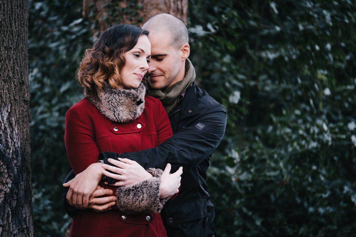 couple engagement shoot in dublin city temple bar 0001