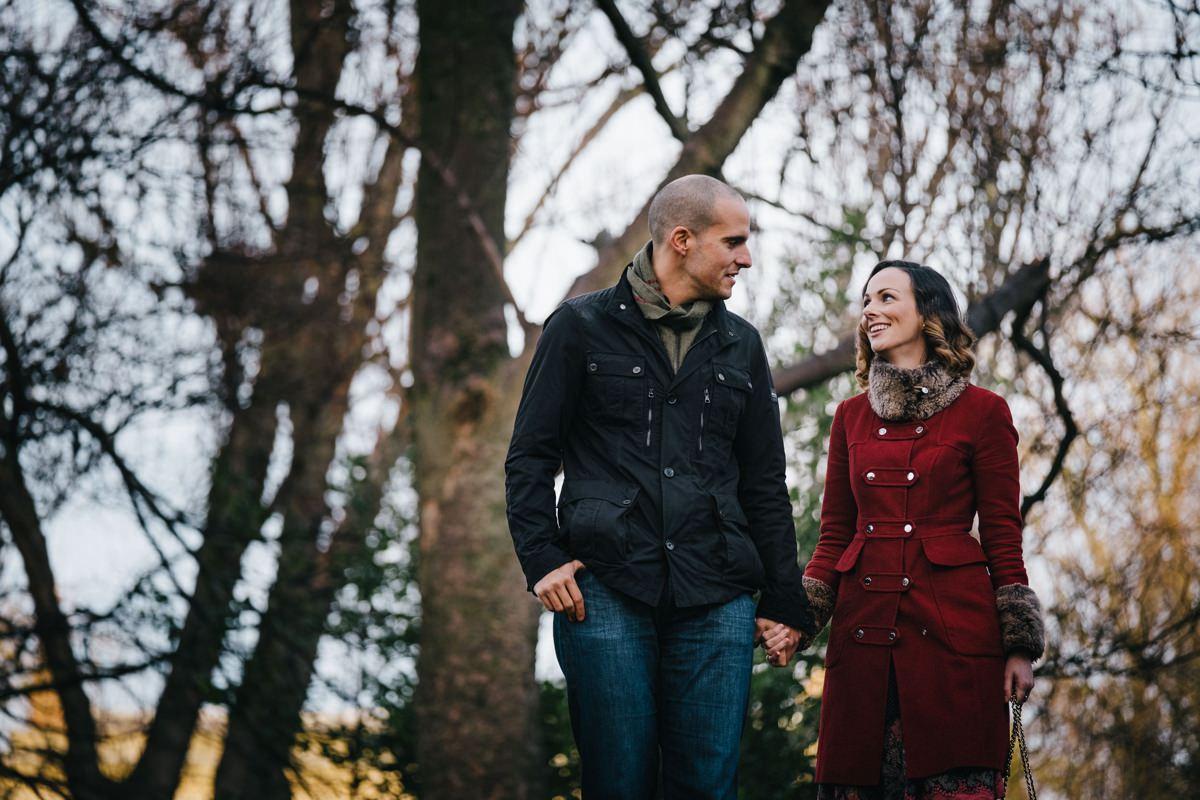 couple engagement shoot in dublin city temple bar 0003