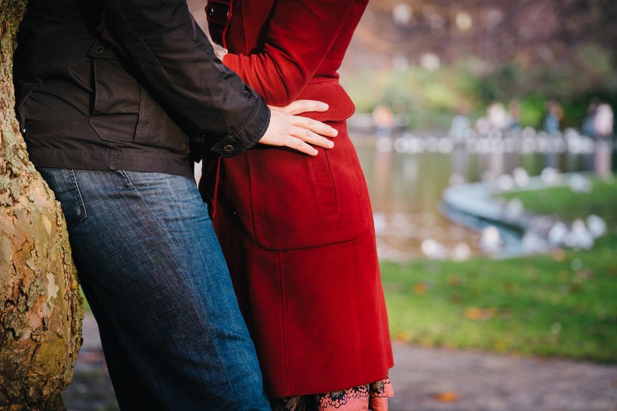 couple engagement shoot in dublin city temple bar 0005