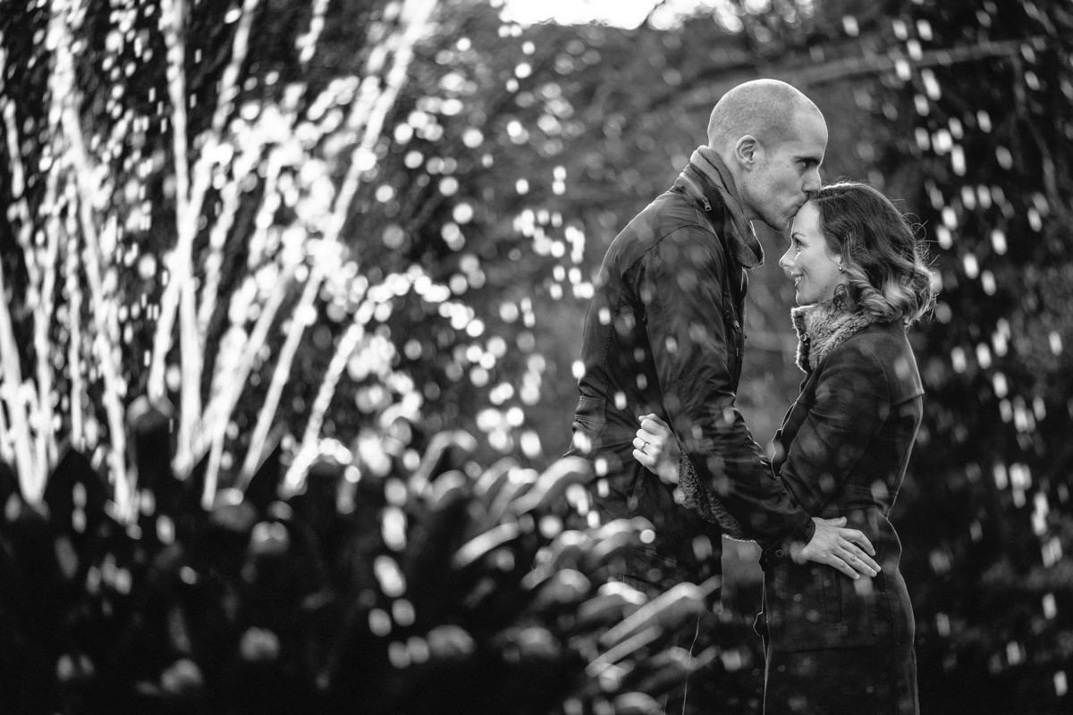 couple engagement shoot in dublin city temple bar 0006