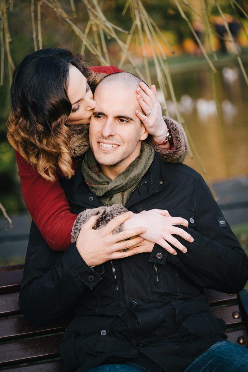 couple engagement shoot in dublin city temple bar 0007