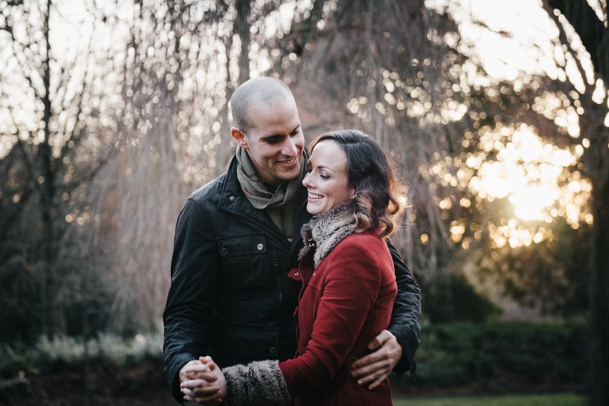 couple engagement shoot in dublin city temple bar 0012