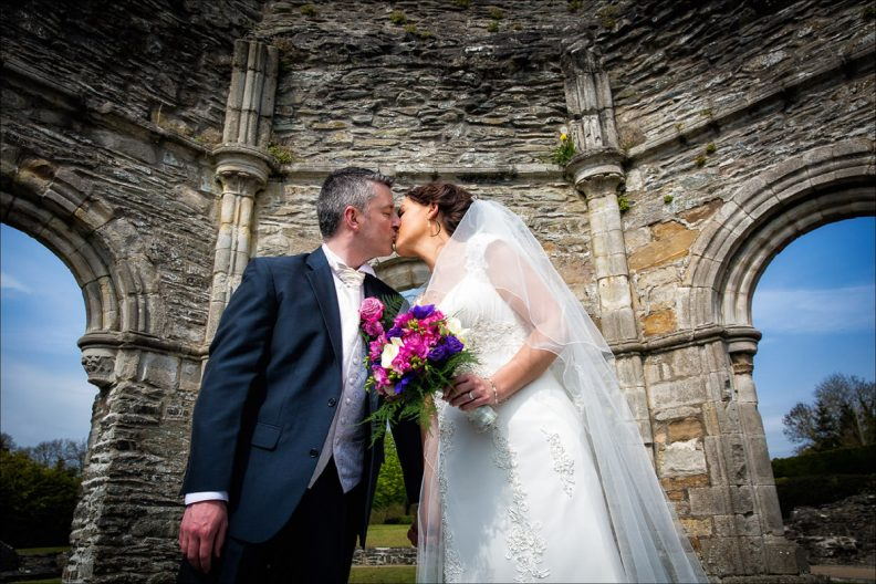 bellingham castle wedding photography 0033 792x528