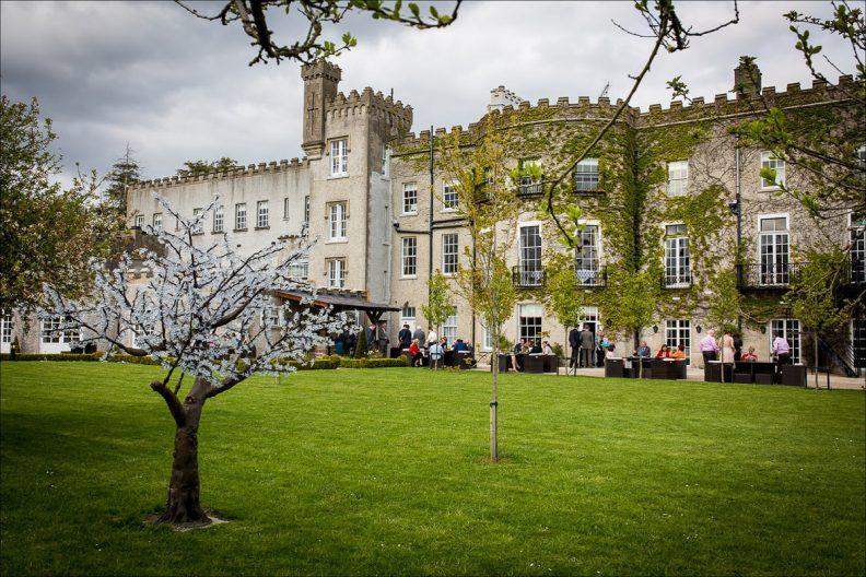 bellingham castle wedding photography 0064 792x528