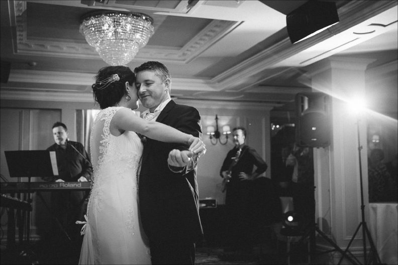 bellingham castle wedding photography 0087 792x528