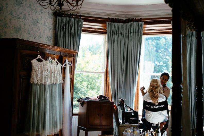 bridal preparations at tinakilly country house wedding