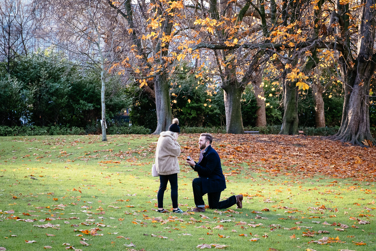 secret engagement proposal shoot in st stephens green dublin 0010