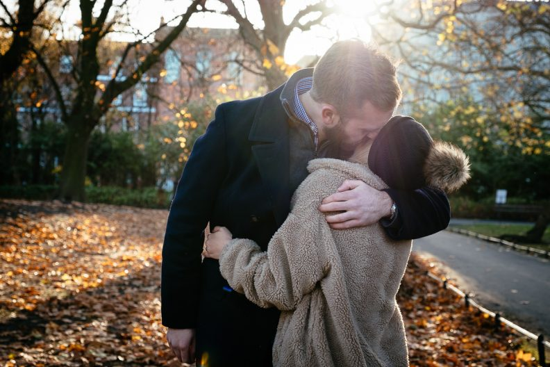 couple kissing in st stephens green dublin after proposing