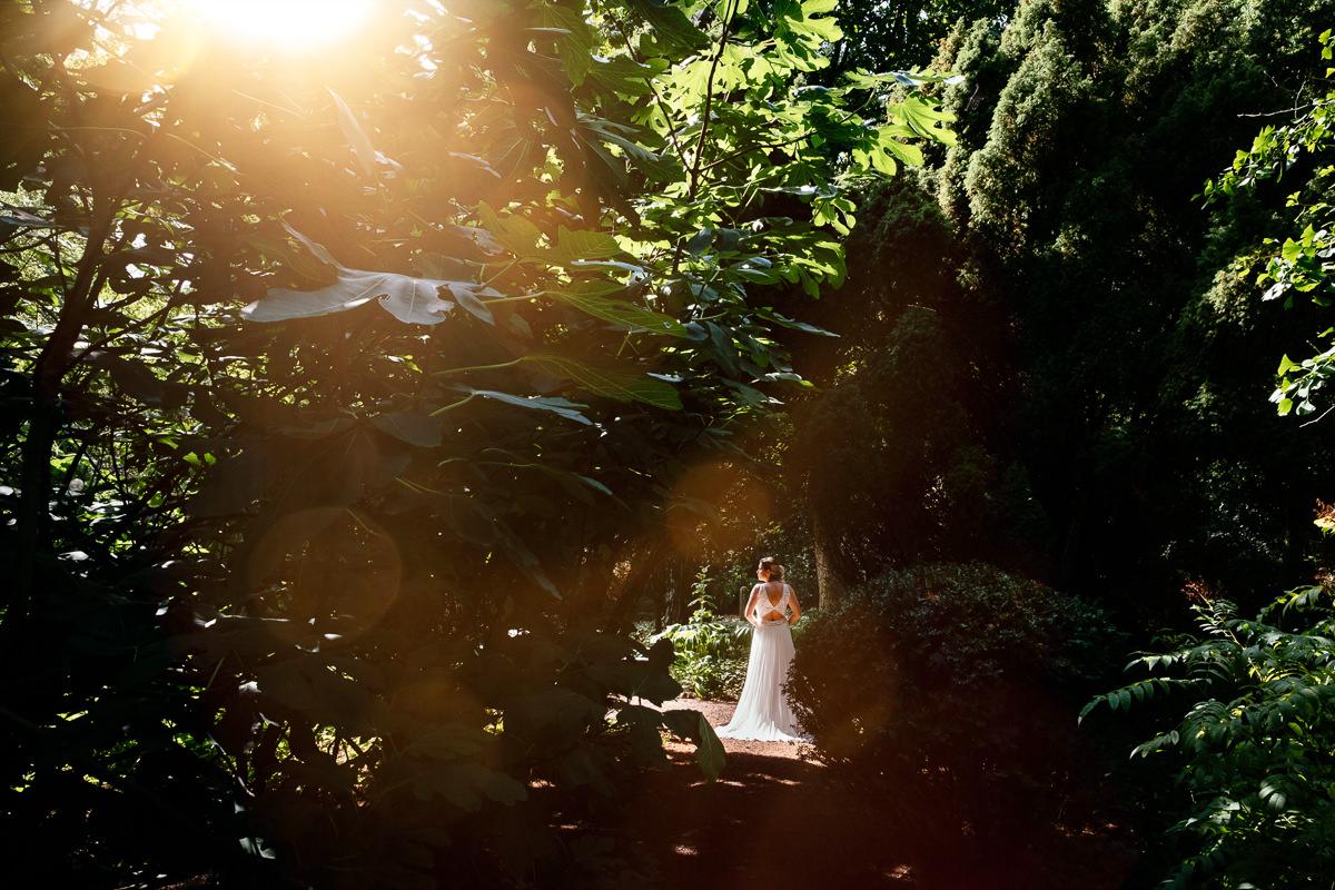 bride at Park Schoonoord in Rotterdam