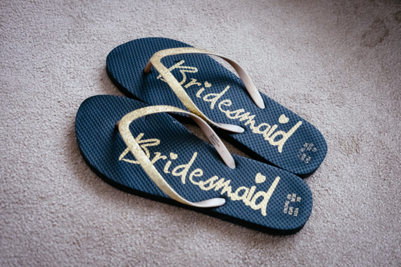 bridesmaids flipflops
