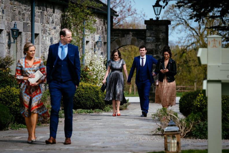 guests arrivingat a wedding