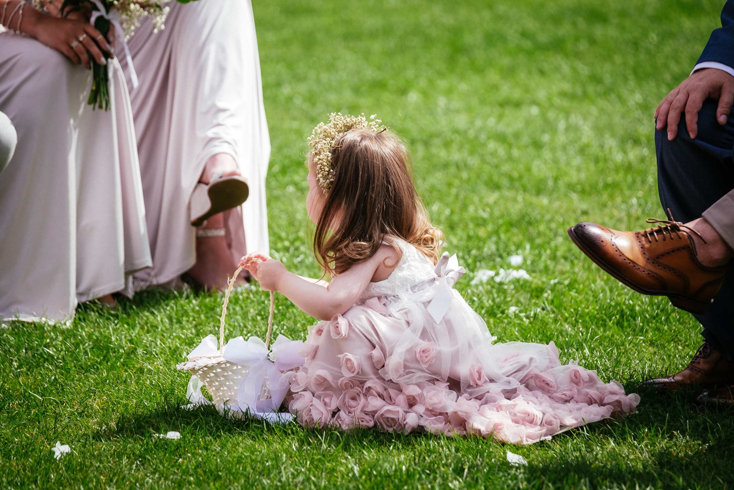 flower girl playing