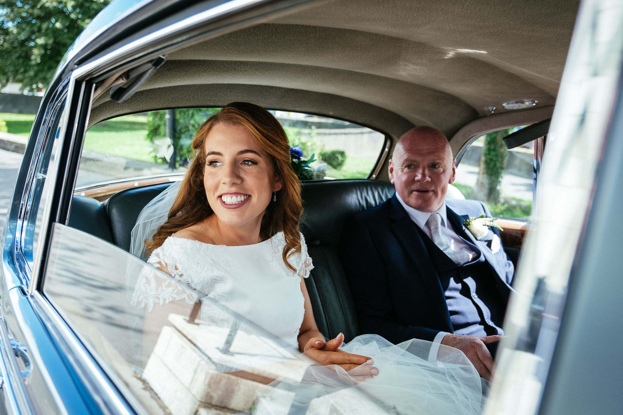 bride arriving at church in Raheny Dublin