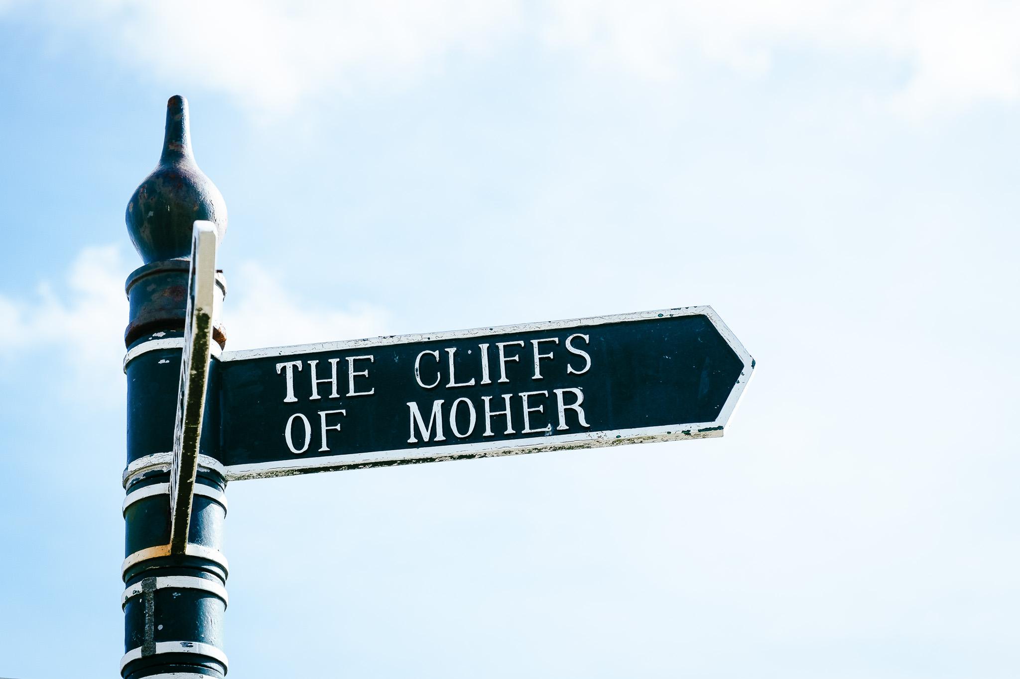 elopement Photographer cliffs of moher 1