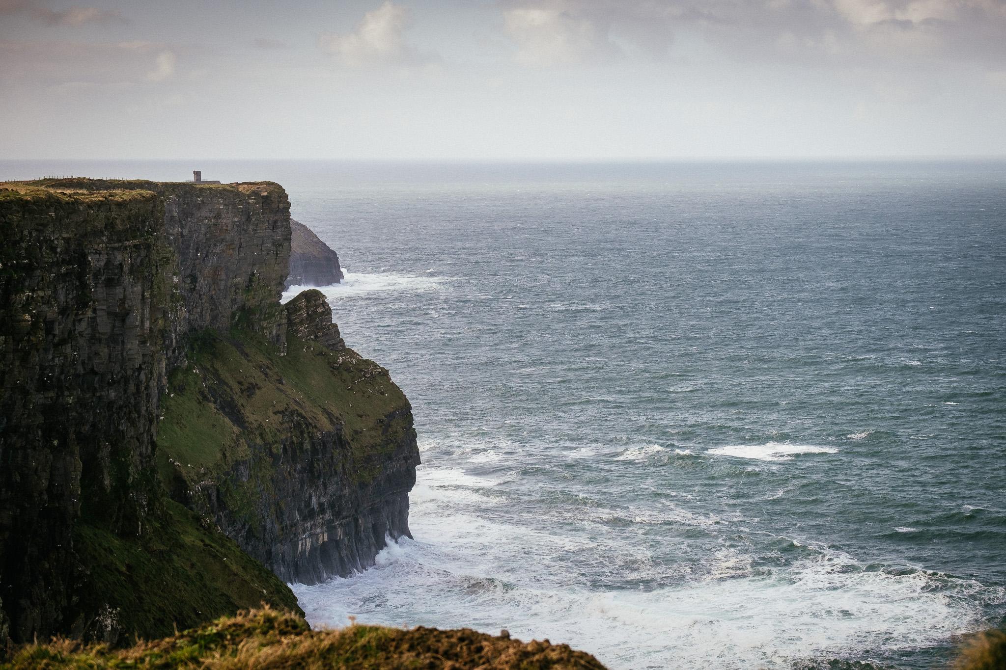 elopement Photographer cliffs of moher 19