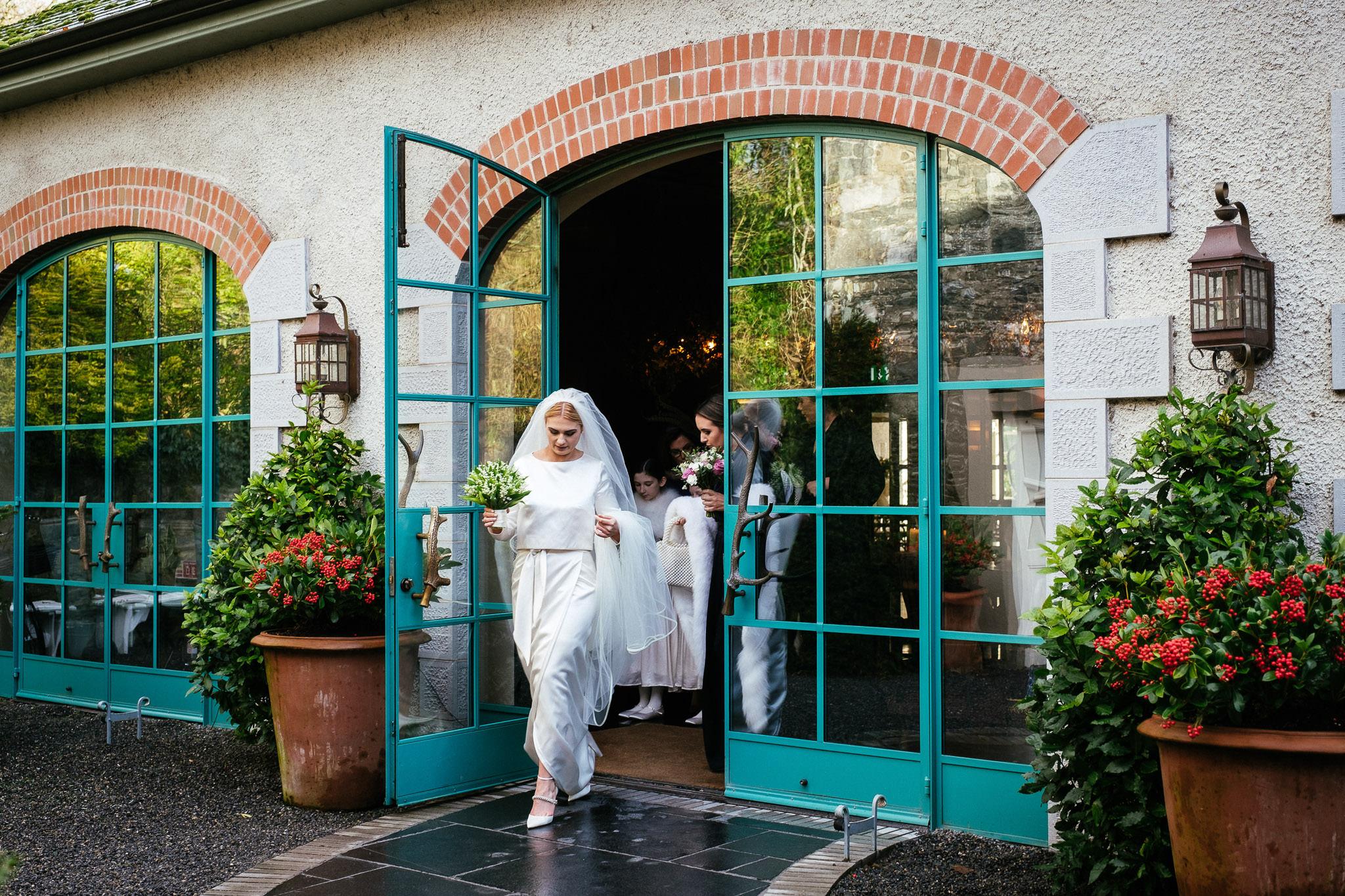 bride leaving at virginia park lodge wedding